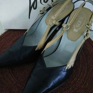 Tod's vintage navy blue leather heels